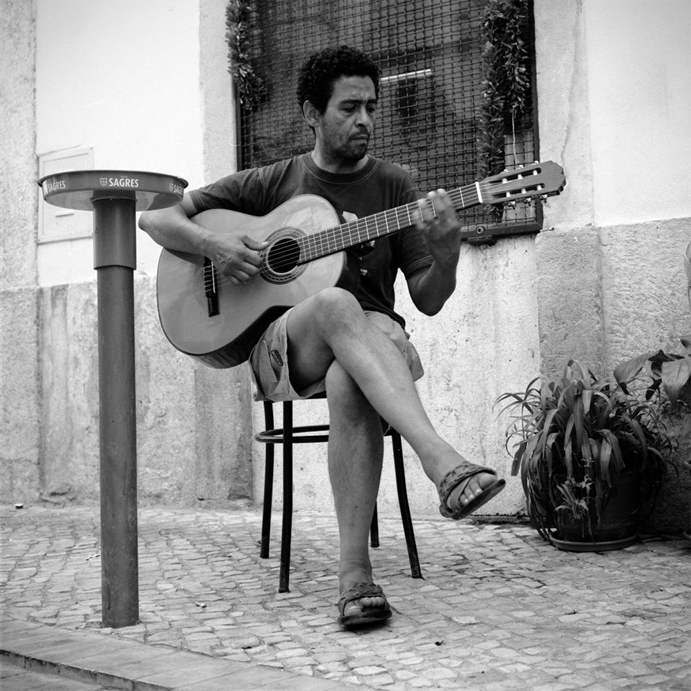 guitariste-portrait-rue